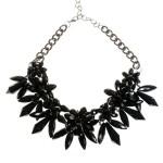 siyah çiçek modelli kolye