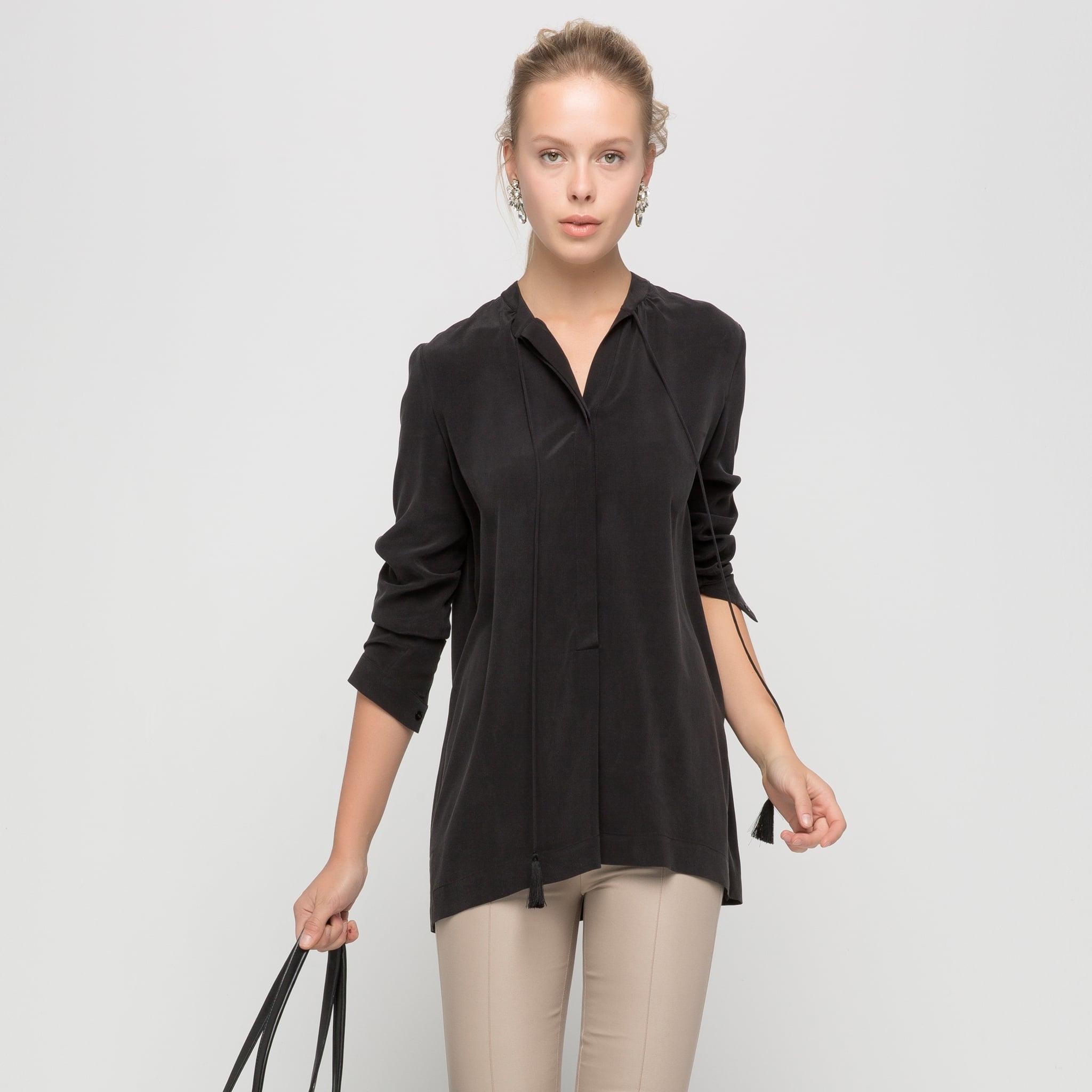 püskül detaylı siyah bluz modeli