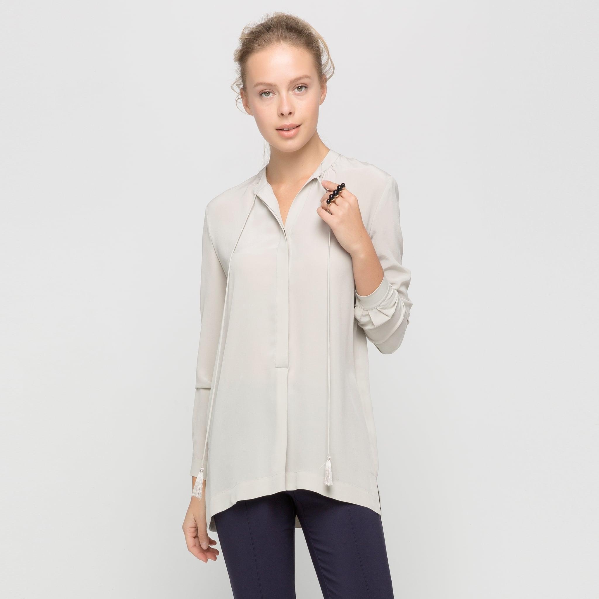 püskül detaylı bluz modeli